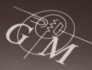 Il marchio che campeggia su tutti gli amplificatori Graaf, con le iniziali del loro progettista.