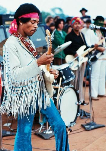 Woodstock, tredici mesi esatti prima della sua morte. Fu costretto a esibirsi nelle prime ore del mattino a causa del prolungarsi del programma e perché nessuno si azzardava a suonare dopo di lui.